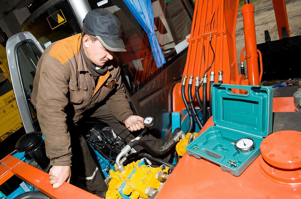 Service og vedligehold af nye og brugte maskiner