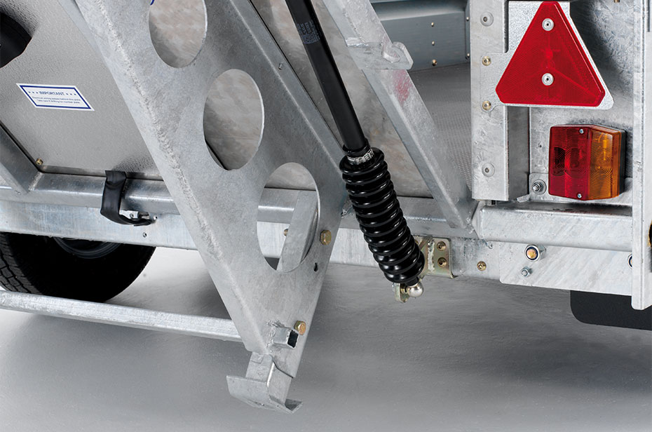 Trailer rampe med indbygget støtteben